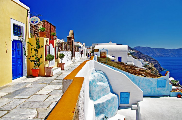 visit-fira-santorini-one-of-the-most-popular-attractions